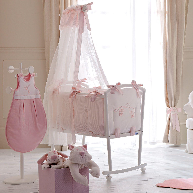 Traumhaft schöne Babywiege für Mädchen komplett ausgestattet mit ...