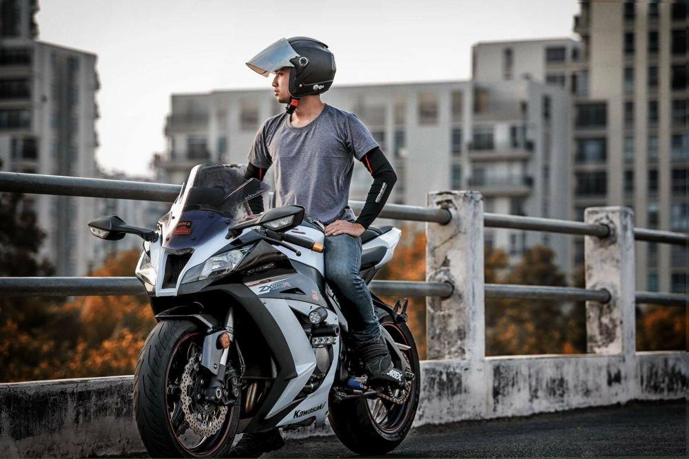 Kawasaki Zx10r Black And White Cuc Chat Cua Biker Sai Thanh