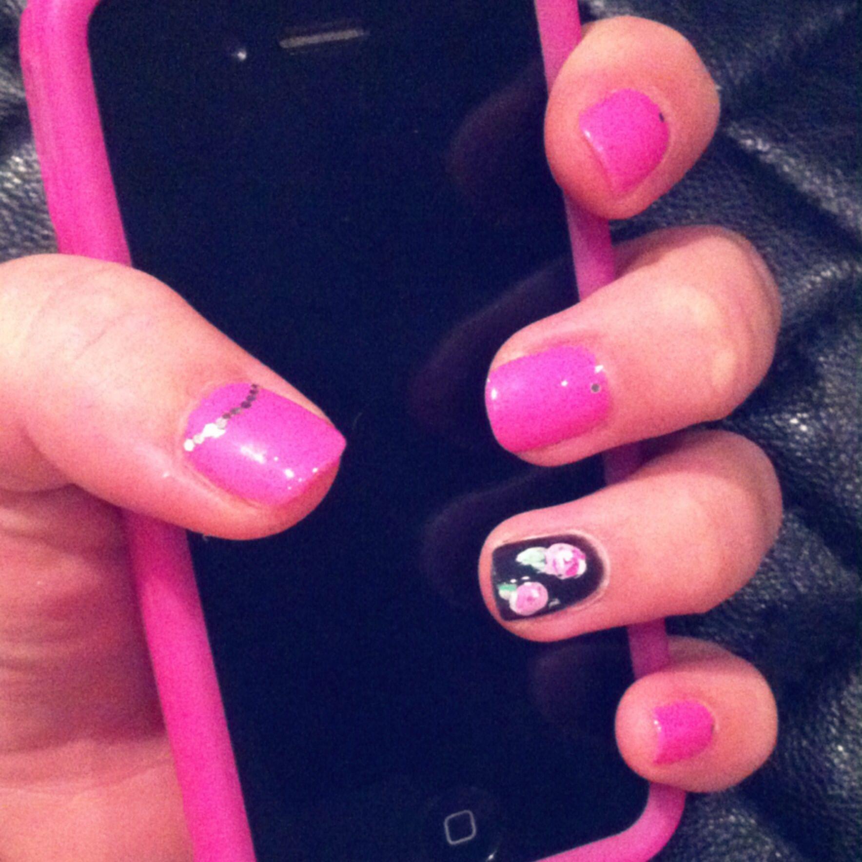 Pink Black Roses My Own Nail Art Pinterest And Rosespink Blacknail