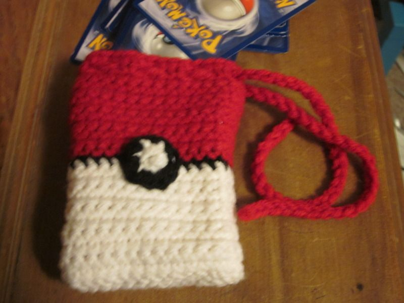Free Crochet Pattern: Pokeball Deck Bag Source: Creative Compendium ...