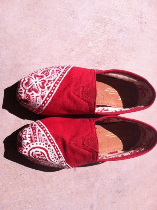 Henna Mehndi Inspired Toms Indian Wedding Shoes 80 On Indianweddingsite Com Indian Wedding Shoes Toms Shoes Canvas Shoes