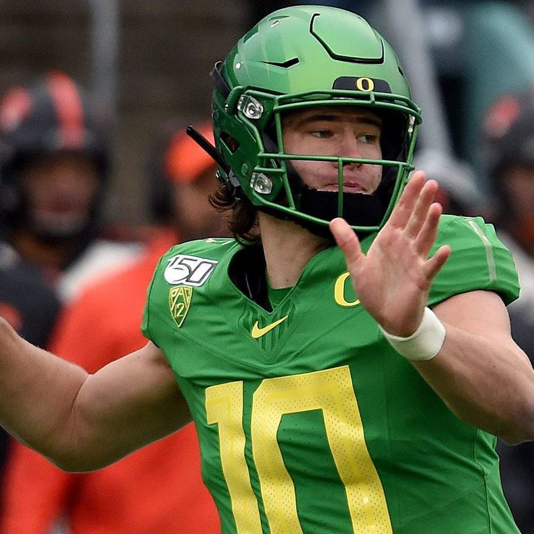 Justin Herbert 10 On Instagram The Last Installment Of An Amazing Oregon Career Will Be Written Today Justin Will Take The Field To Lead The Ducks In The Ro I 2020