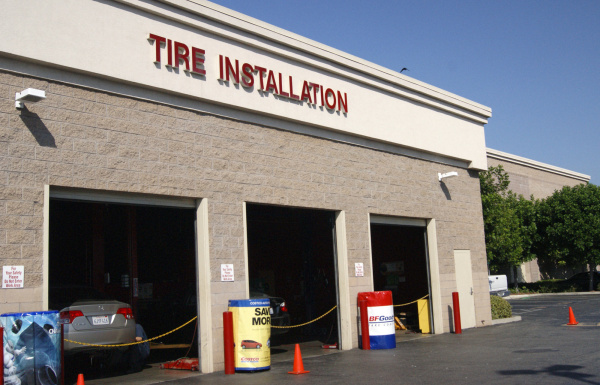Listed here is Full schedule of Costco Tire Center Hours
