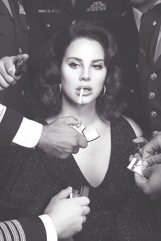 Lana Del Rey Makeup Eyeliner Winged Liner natural vintage with retro hairstyles ... Lana Del Rey Ma