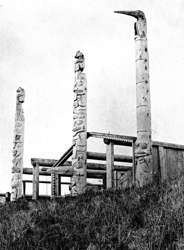 Frontal poles and house frames of the Fort House and the Drum House ...