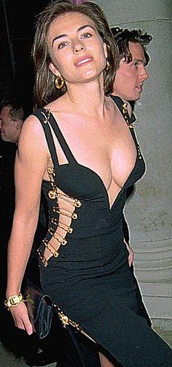 Black Versace Dress Of Elizabeth Hurley The Lbd That Made Her A Star Overnight Elizabeth Hurley Versace Dress Fashion