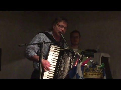 "Bud Gramer Band perform ""Nordseekueste"" - YouTube"