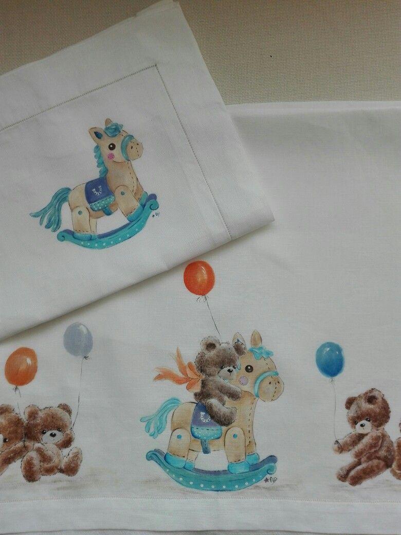 Lenzuolo culla dipinto su stoffa cameretta bimbi pinterest for Applique cameretta bimbi