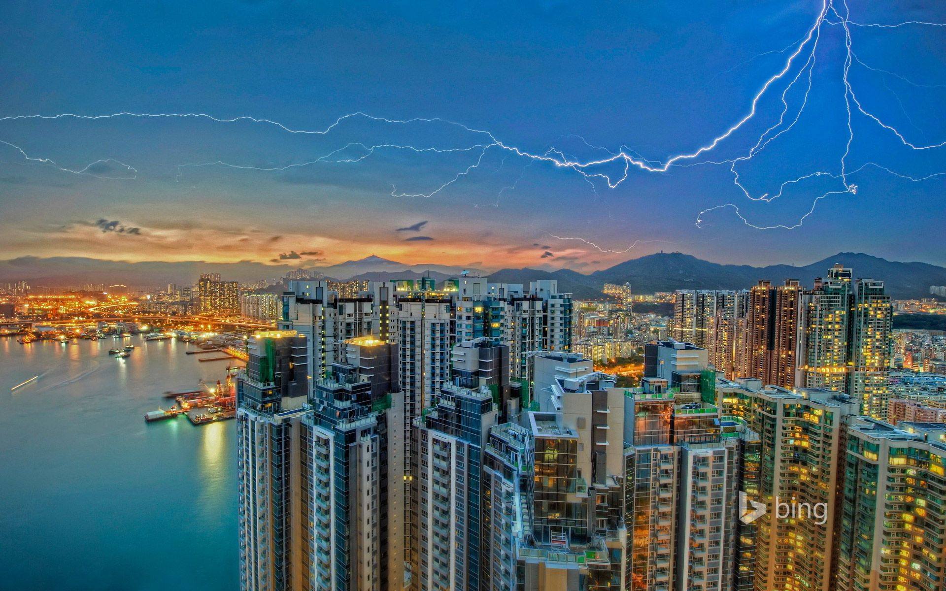 lightning over kowloon hong kong kowloon bay is a bay. Black Bedroom Furniture Sets. Home Design Ideas