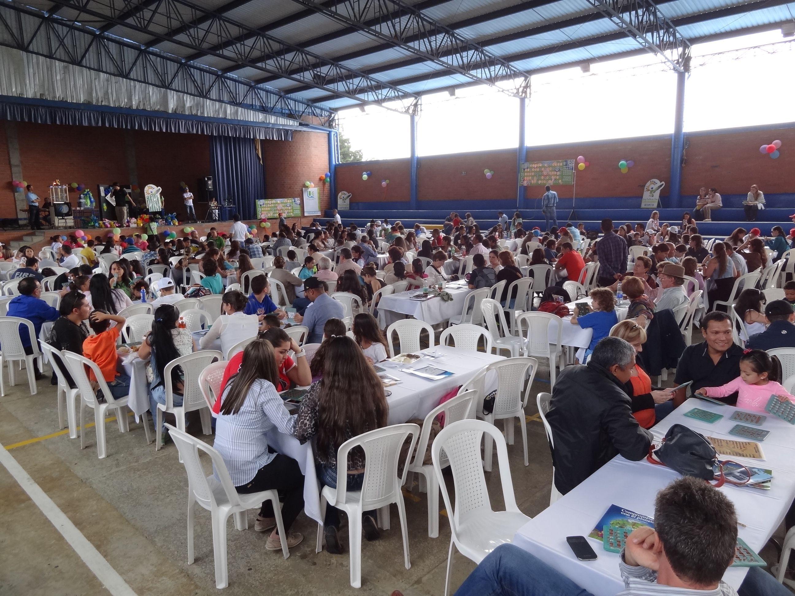 Excelente capacidad de convocatoria a los eventos institucionales. En la foto observamos nuestras familias durante el evento de ASPANS.