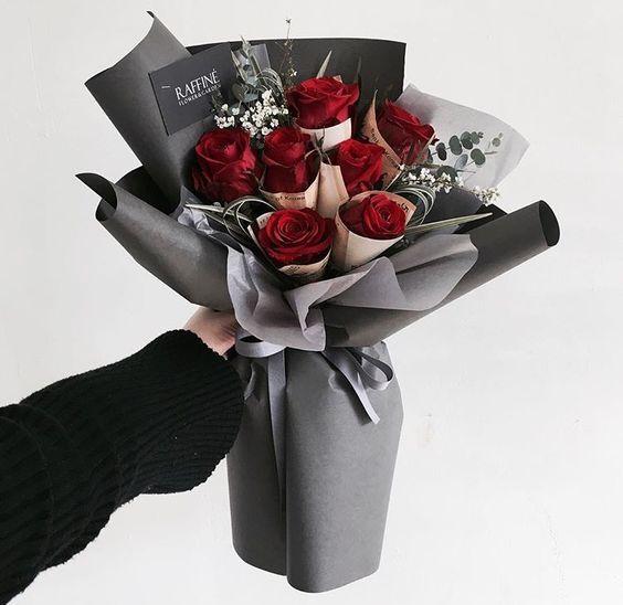 Pin Oleh He Kui Laj Di Flower Bouquet Packaging Ideas Bunga Bunga Indah Buket Bunga Mawar Merah