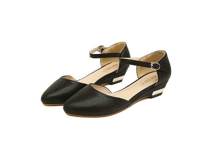 """Women's Shoes With Buckle and Pointed Toe Design 