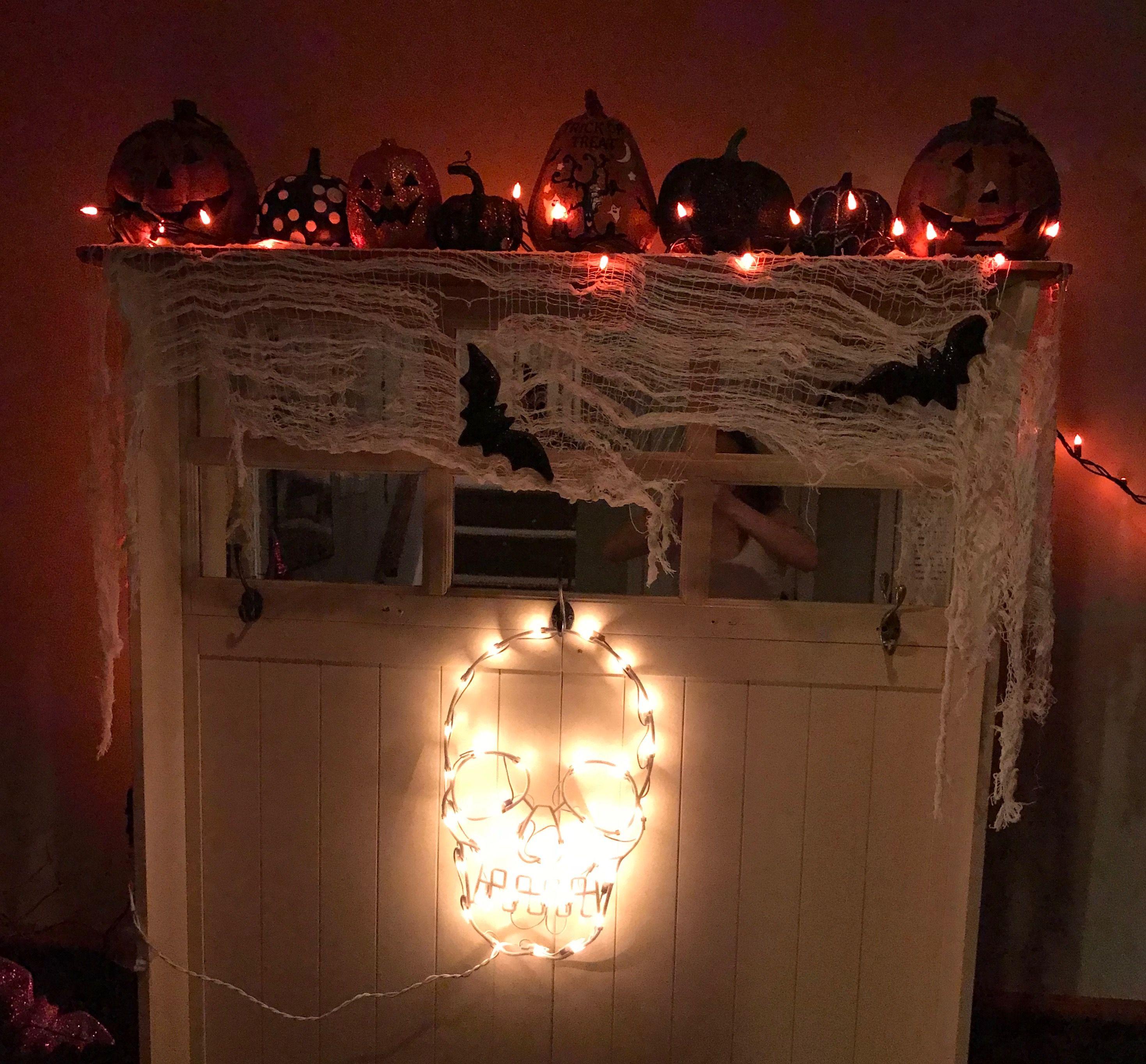 Halloween Entryway Pumpkins