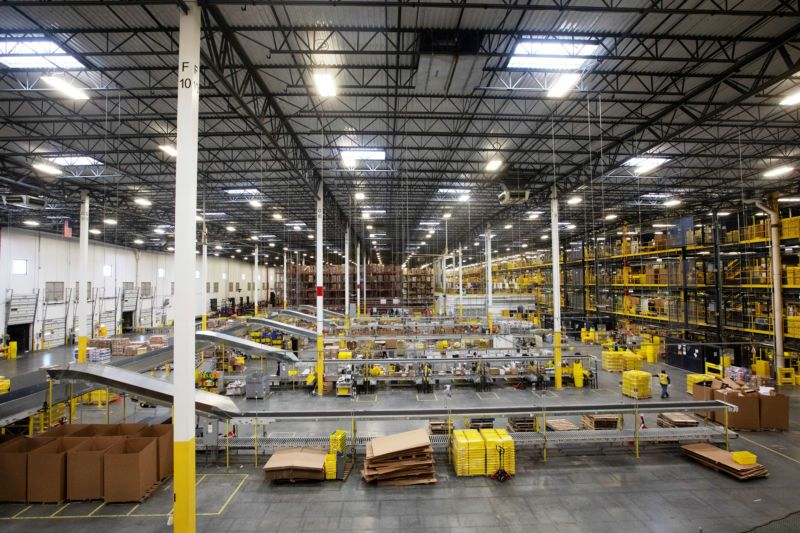 Amazon Automated Machine Punctures Bear Spray Can 24 Employees