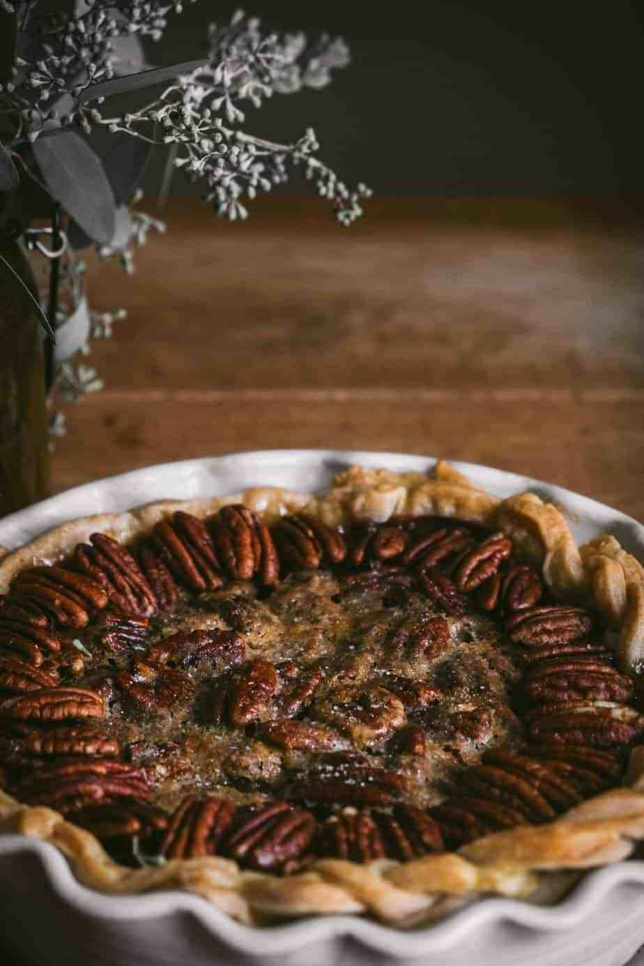 Need last minute pie inspiration for Thanksgiving? I've rounded up twenty-five fruit and nut pie re