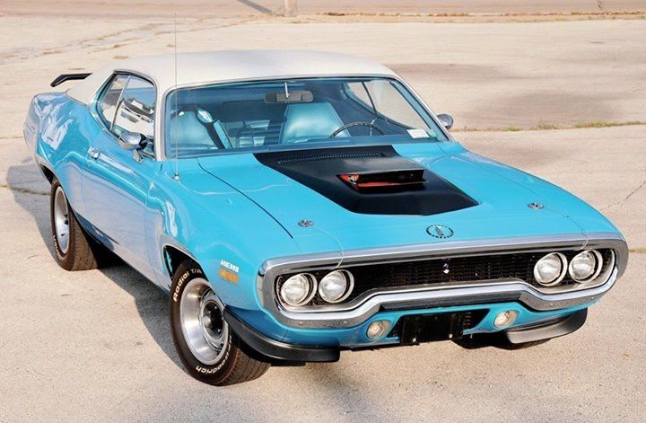 71 Plymouth Roadrunner In Petty Blue Dodge Charger