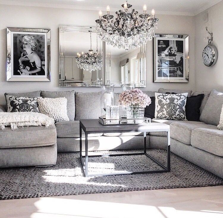 Very Chic Sitting Area I Think I M Going To Get The Mirrored Picture Frames Very Beautiful Living Room Grey Living Decor Living Room Designs