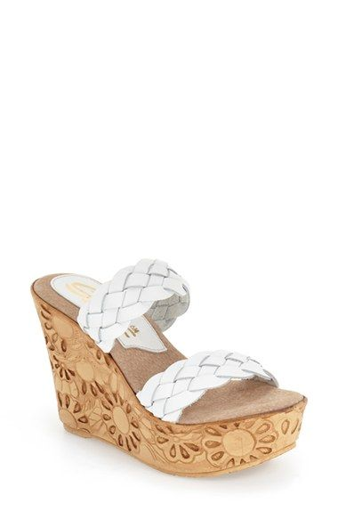 e3352fc4e5db Sbicca  Roksana  Daisy Patterened Wedge Sandal (Women)