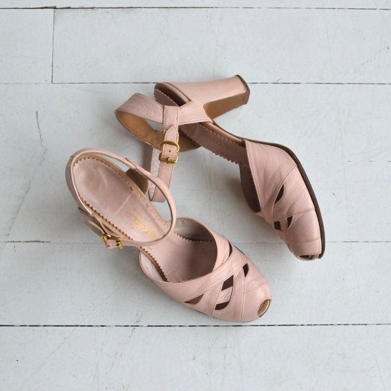 Vintage late 1940s, early 1950s petal pink leather shoes with cutout vamp, peeptoe, medium heel and ankle strap. --- M E A S U R E M E N T S ---