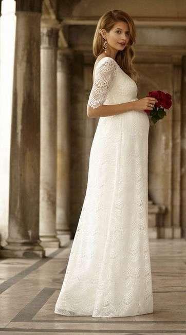 582a22b1c Vestidos de novia para embarazadas  Fotos de trajes nupciales (13 56 ...