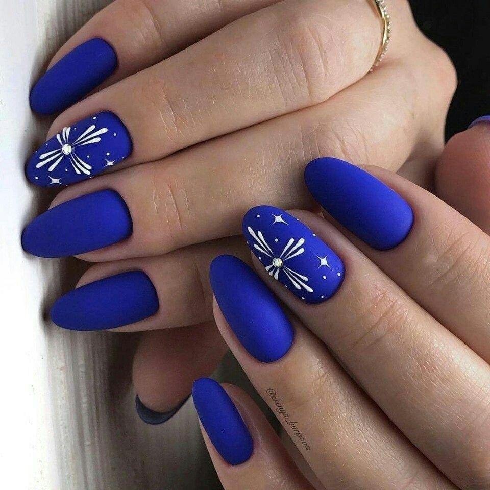 Cobalt blue nail art in 2019 Blue nails, Christmas nails