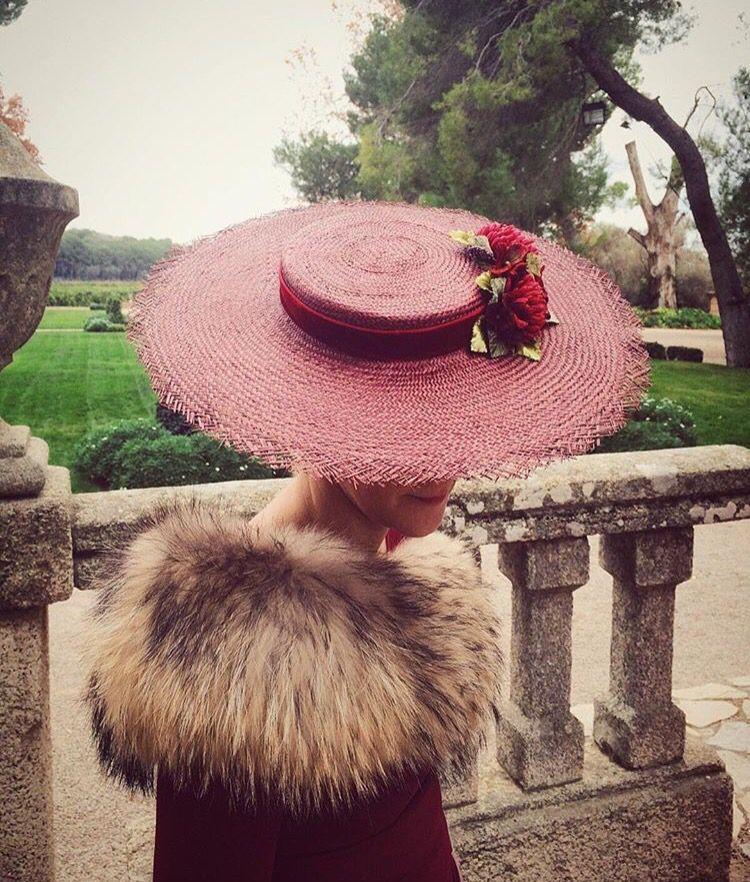 Invitada de invierno Cherubina | Hats | Pinterest | Invierno, Tocado ...