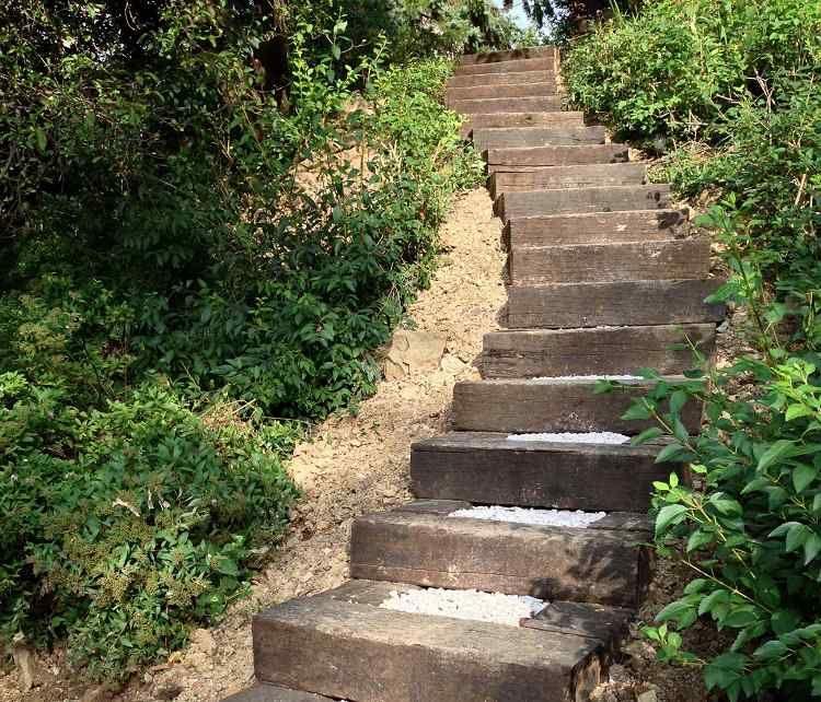 Optez Pour L Escalier Jardin Bois Gravier Pour Reussir Un