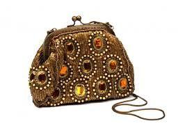 Resultado de imagem para bolsas de festa bordadas pedrarias