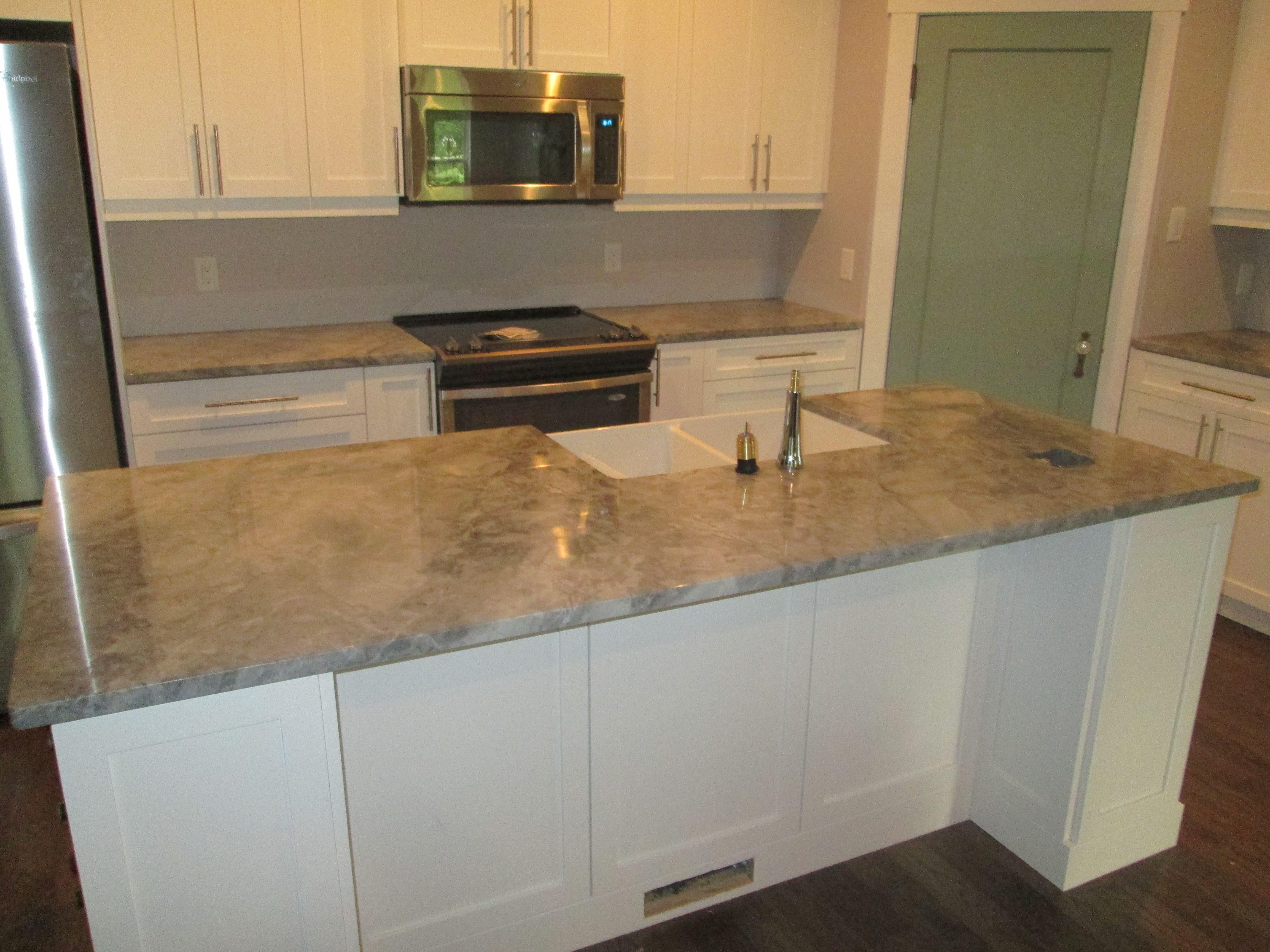 This Picture Shows A Supreme White Granite Countertop More Granite Countertops Granite Kitchen Countertops