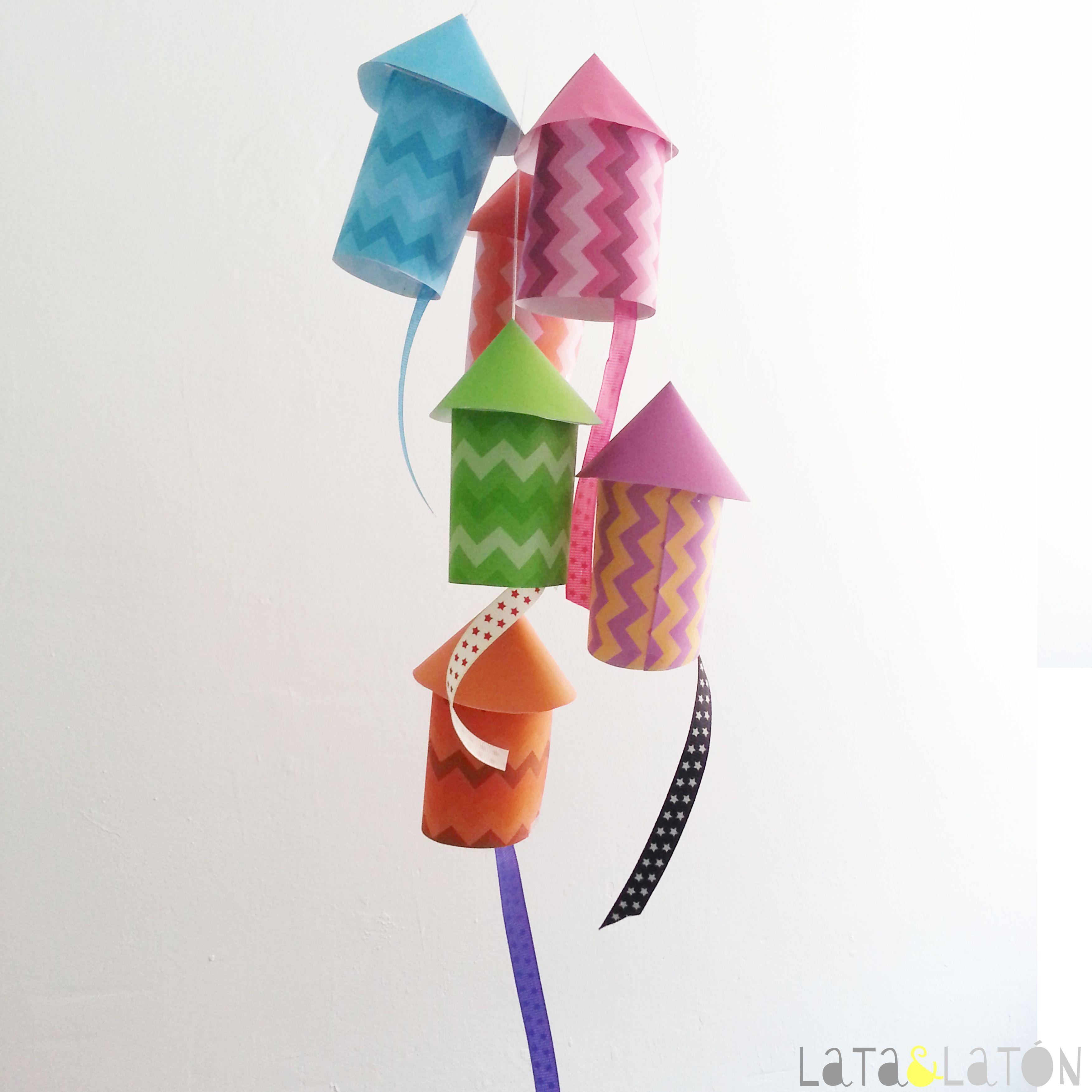 Manualidades con papel: cohetes de papel | Fiestas | Pinterest ...