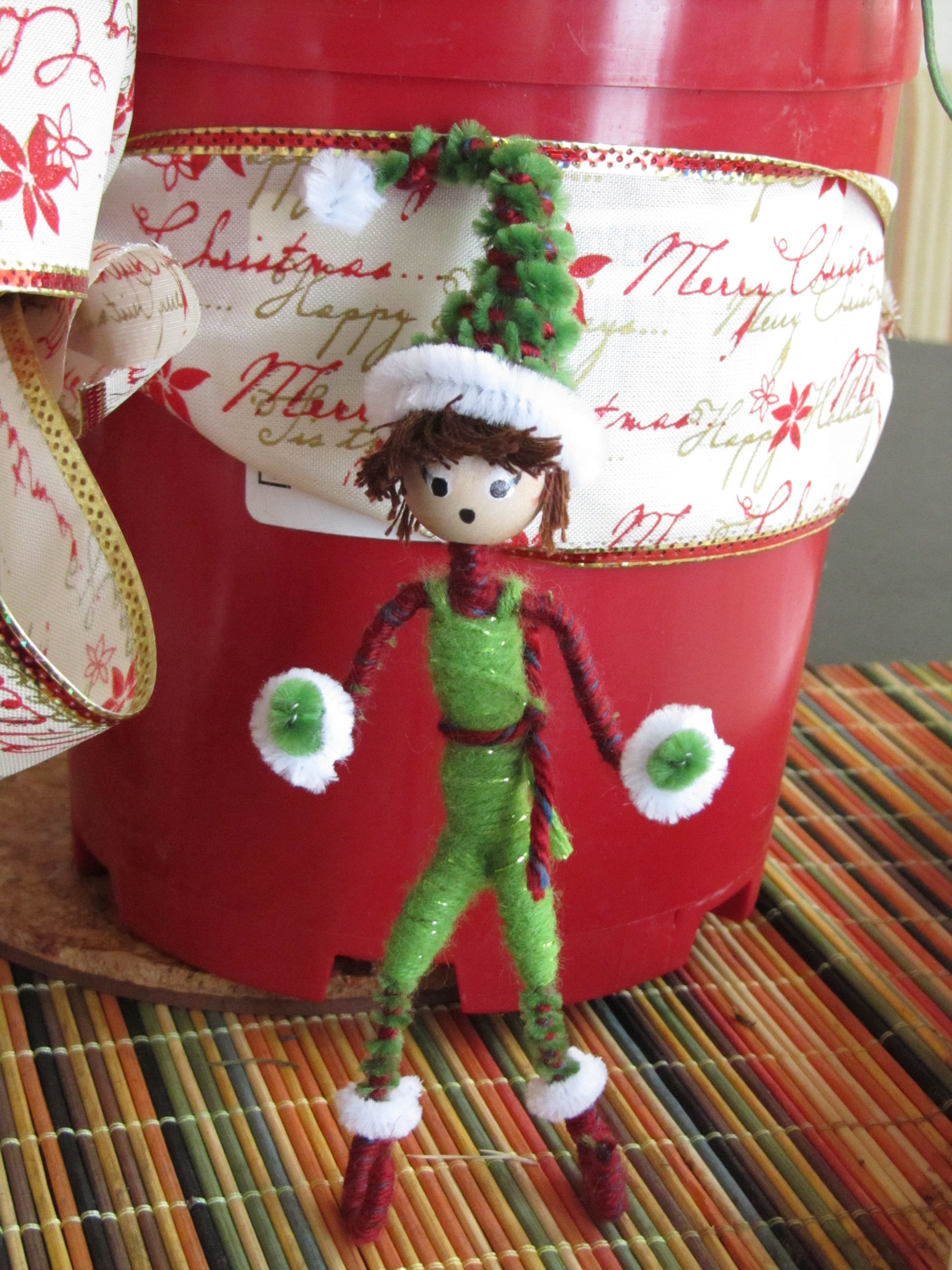 Yarn And Pipe Cleaners It S Beginning To Look Alot Like Christmas