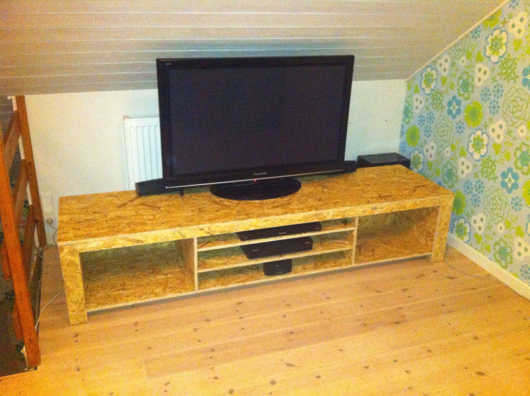 diy tv bench or tv table in osb wood carpenter ideas. Black Bedroom Furniture Sets. Home Design Ideas