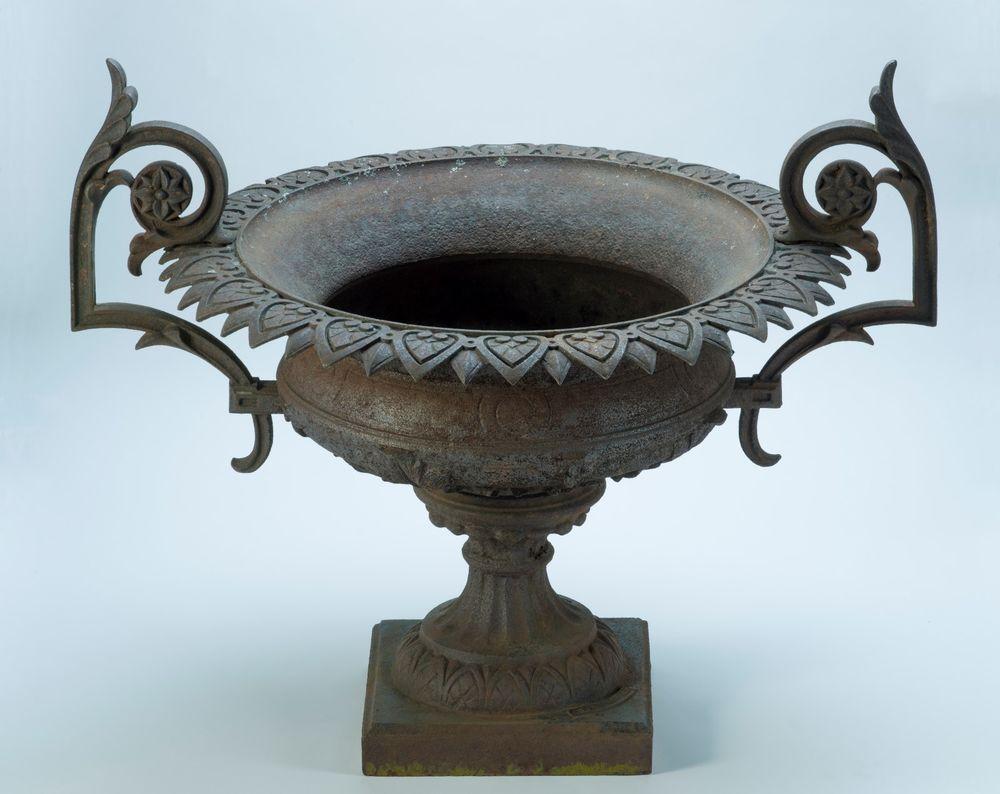 Signed J W Fiske Cast Iron Urn Jwfiske Antique Urn Urn Cast Iron