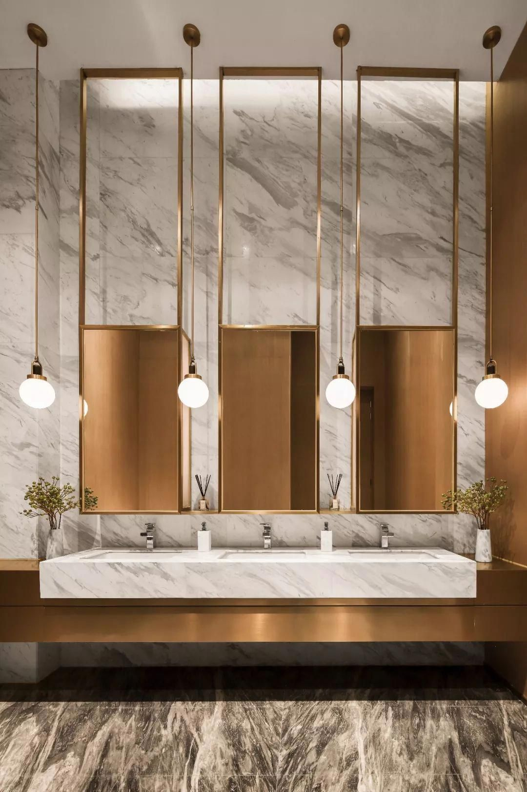 Glamorous And Exciting Luxury Bathroom Interior Decor Needs The Perfect Lighting Fixture Bathroom Design Trends Bathroom Design Luxury Bathroom Lighting Design