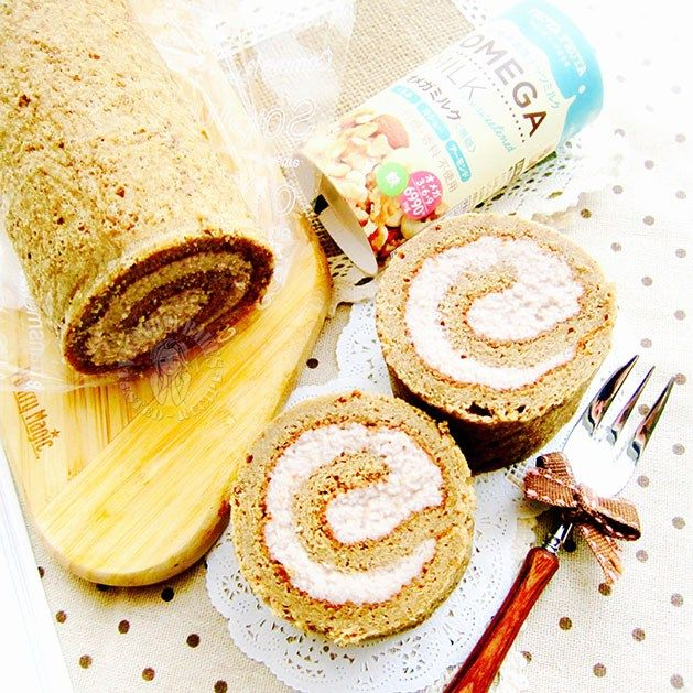 white coffee swiss roll (with nut filling no whipped