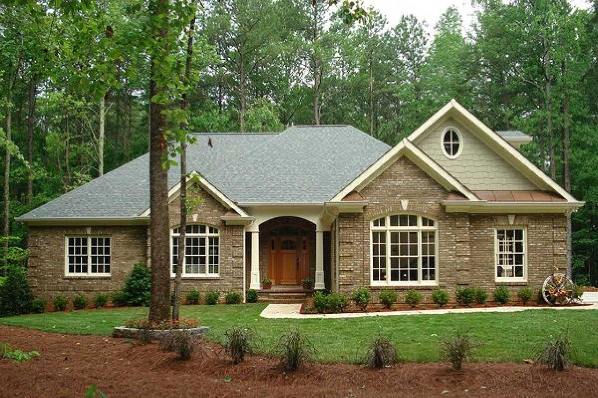 Plan 2067ga Classic Brick Ranch Home Plan Ranch House Plans Brick Ranch Houses Southern House Plans