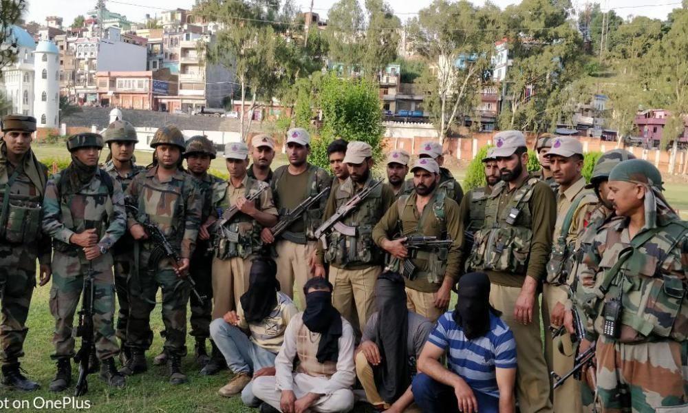4 OGWs of Hizbul Mujahideen held in Rajouri with 1 Lakh