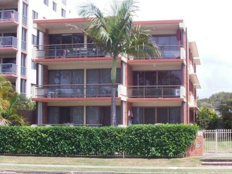 60 River Esplanade, Mooloolaba Stay 7 nights for only $510 in Riverview II Unit 3..