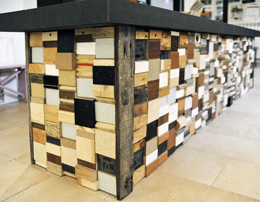 Bancone In Legno Costruito Artigianalmente : Legno bancone composto con scarti di legni vari e ripiano in