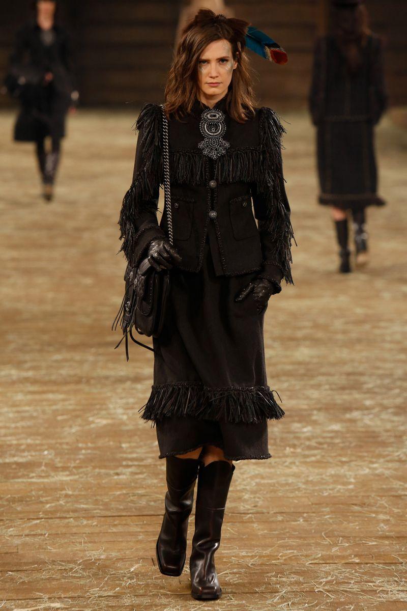 #Chanel Pre-Fall 2014 Fashion Week Runway