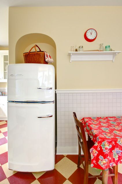 An Arched Alcove Fits Snugly Around A Retro Style Chill Refrigerator Wall Paint