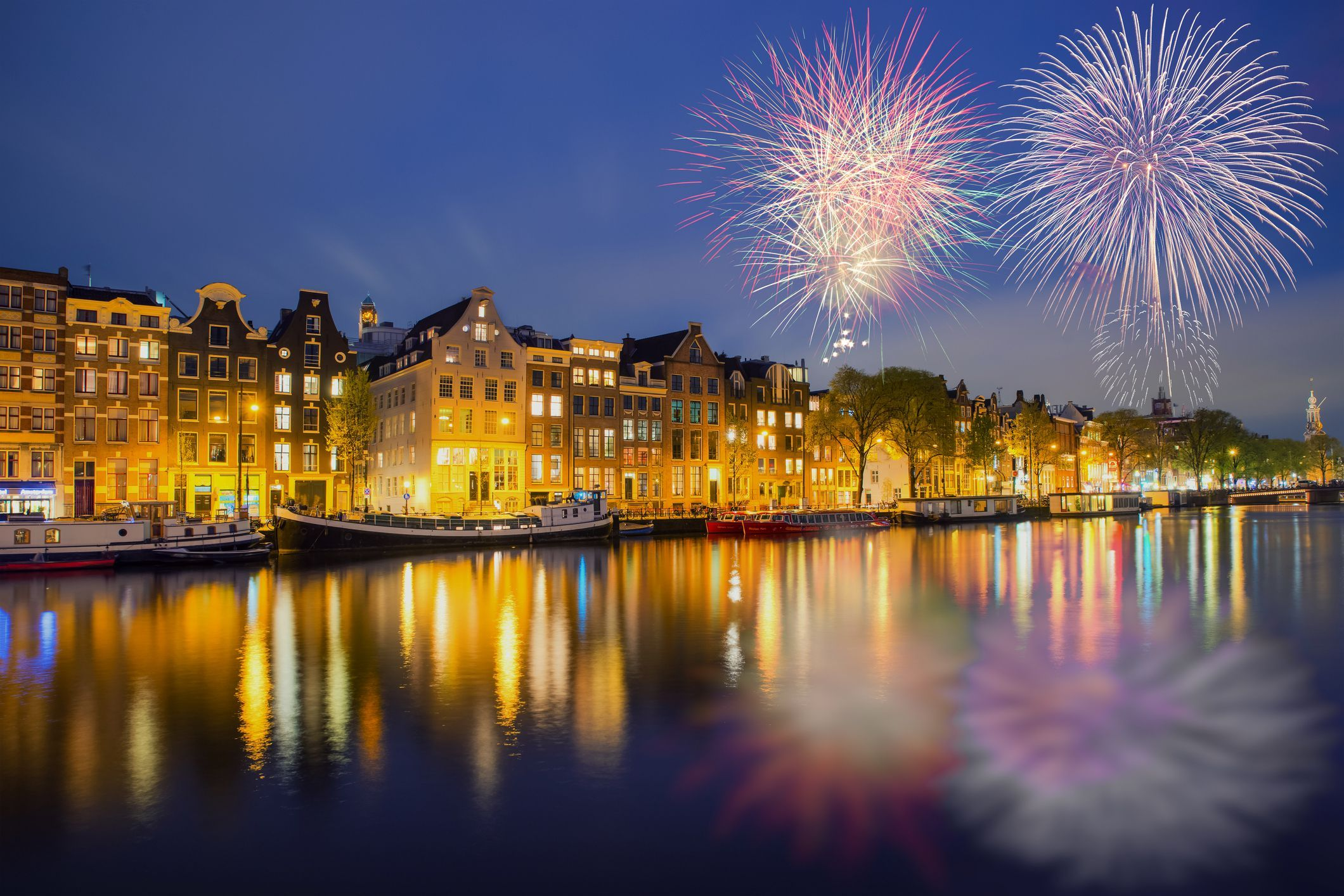 Tips For Celebrating New Year S Eve In Amsterdam Amsterdam New Years Eve Amsterdam New Year Christmas In Europe