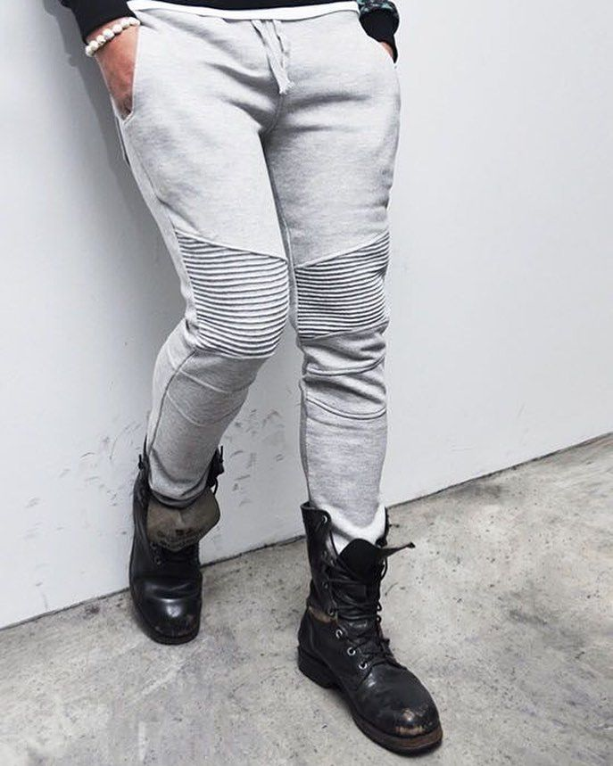Calça Biker  Coturno de Couro  Inspiração de Street Style!  Loftmasculino.com # Use #LoftMasculino - #biker #modamasculina #moda #clothing #ootdmen #men #estilo #style #shoes #modaparahomens