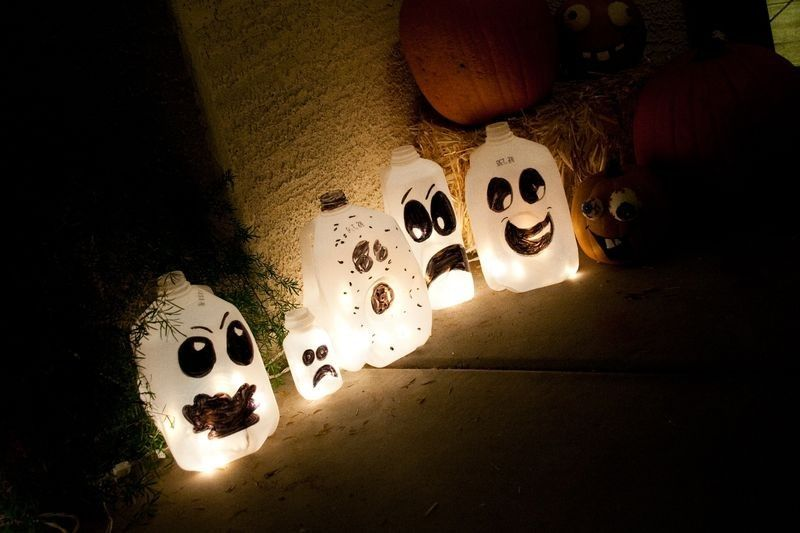 2014 Halloween milk jugs lights for outdoor decoration - handpainted - halloween milk jug decorations