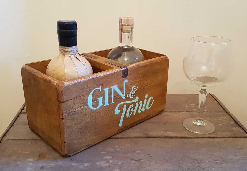 Vintage Gin and Tonic Wooden Bottle Carrier Holder Gift Box Bar Sign Crate