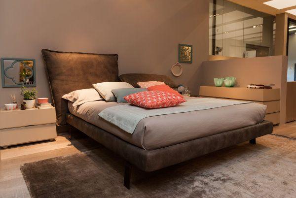 camera da letto con comodini diversi - Cerca con Google | Idee per ...