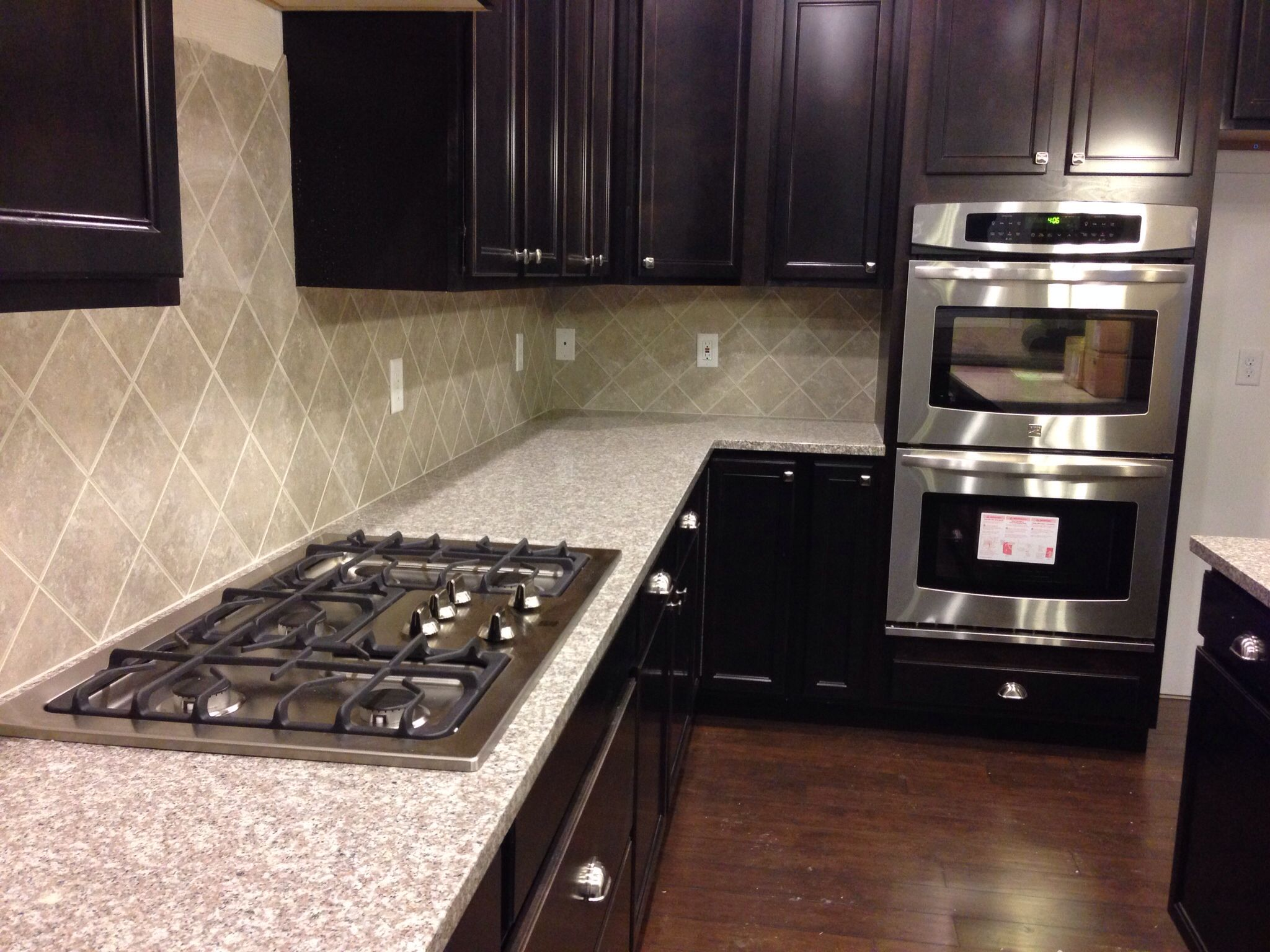 Mahogany Granite Countertops With Eased Edges, Sandalo Tile On The  Diagonal, And Kenmore Double