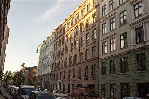Oehlenschlægersgade 75, 5., 1663 København V - 98 kvm 3-vær. nyrenoveret lys lejlighed i den gode ende af Vesterbro