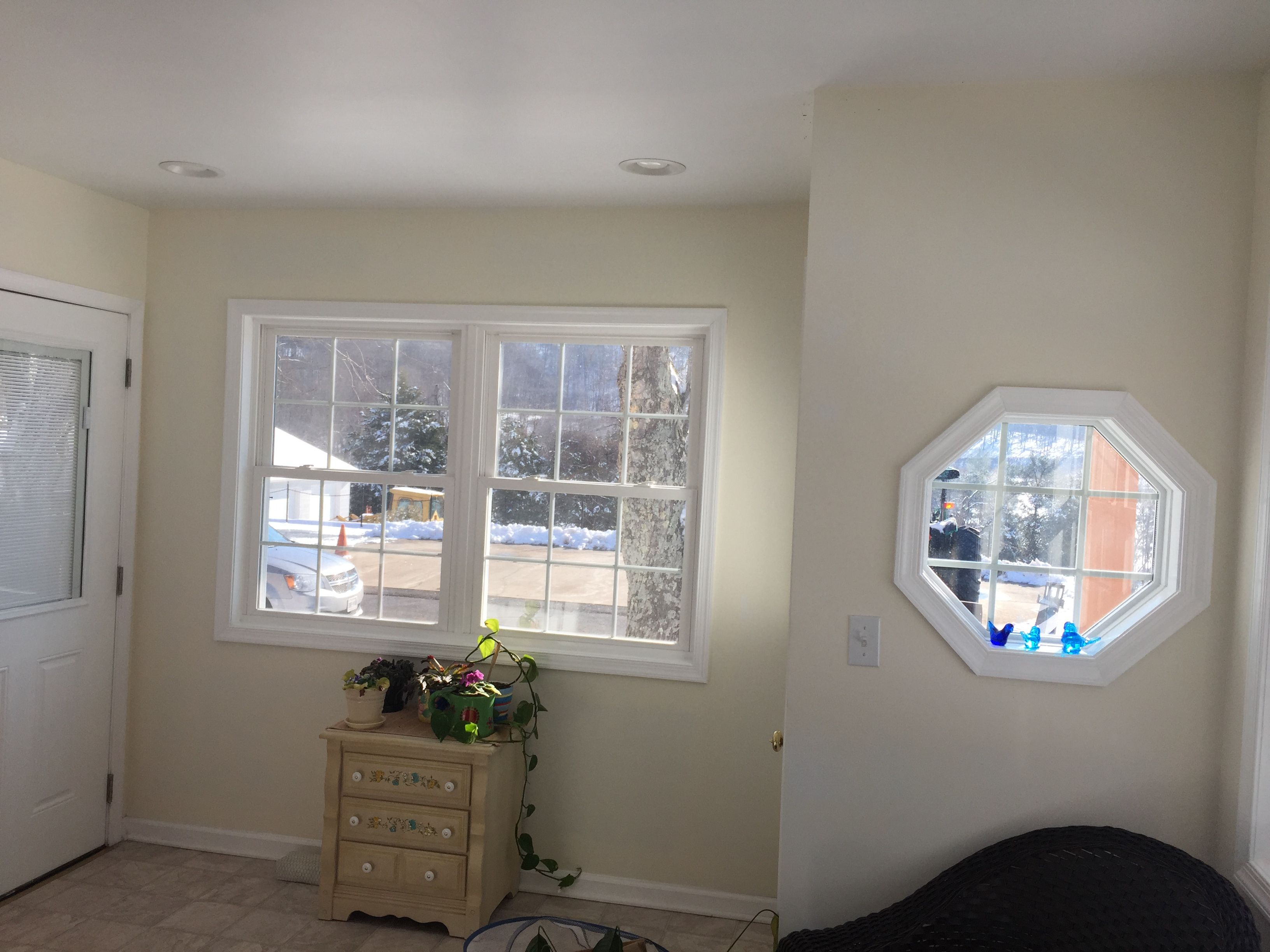 This Wall These Windows In Sunroom Face A Beautiful Mountain