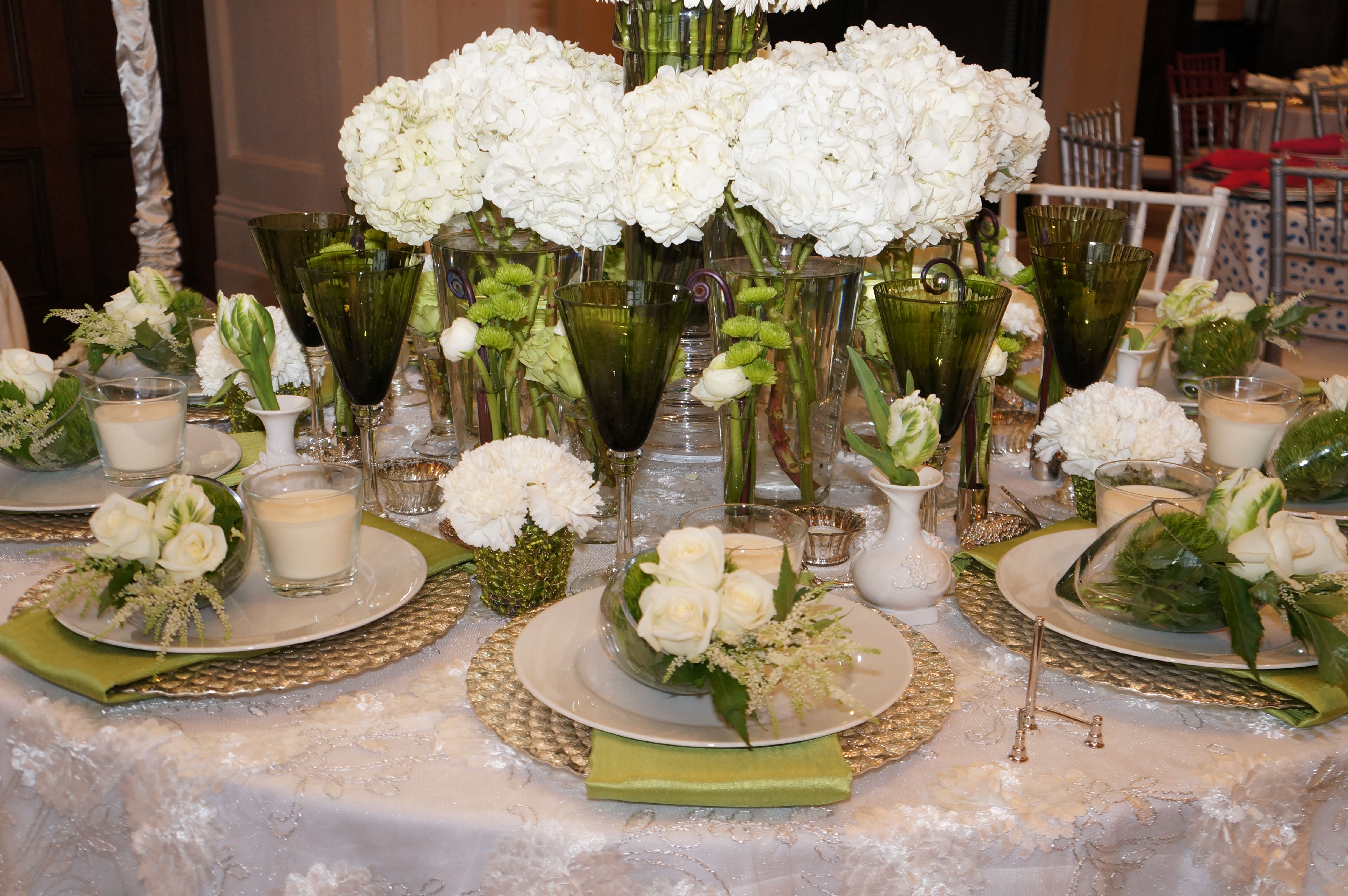 Bourdeaux and Associates. Dallas Kappa Tablescapes. Green and white ...